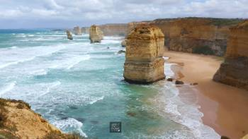 Exploring the stunning coastal scenery on the Twelve Apostles Walk | Linda Murden