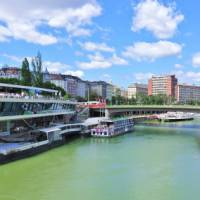 Cycle along the Danube in Vienna | Lilly Donkers