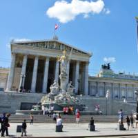 Austrian Parliament building | Lilly Donkers