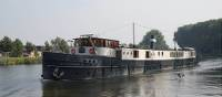 Magnifique II barge