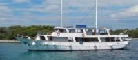Romantica Premium Boat