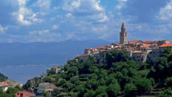 Experience the beauty of Kvarner Bay by bike and from the boat