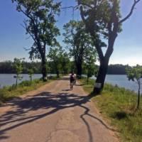 A stunning bike path between the lakes | Els van Veelen