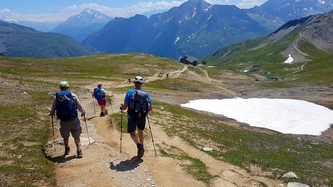 Hikers crossing the European Alps |  <i>Vincent Lamy</i>
