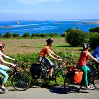 Riding along the Brittany coast | Simon Bourcier