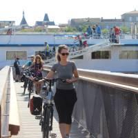 Departing barge on Bordeaux Bike & Barge