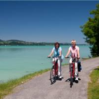Cyclists on the shores of Lake Constance