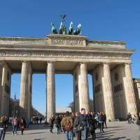 The impressive Brandenburg Tor in Berlin | Kate Baker