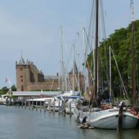 The Muiderslot moated castle makes for a great break on your cycling days in the Netherlands