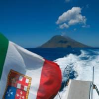 Boat to the Sicilian Island of Stromboli   Mike Gebicki