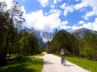 Cyclists on the path from the Cimabanche Pass in the Dolomites |  <i>Rob Mills</i>