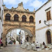 The old town citadel , Ostuni, Puglia, Italy.   Lesley Treloar