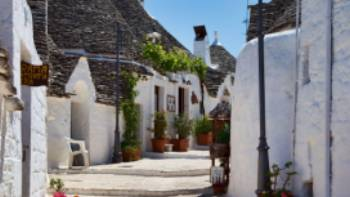 Trulli in the UNESCO town of Alberobello | Lesley Treloar