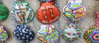 Colourful scallop shells on the Camino trail in Spain | Gesine Cheung