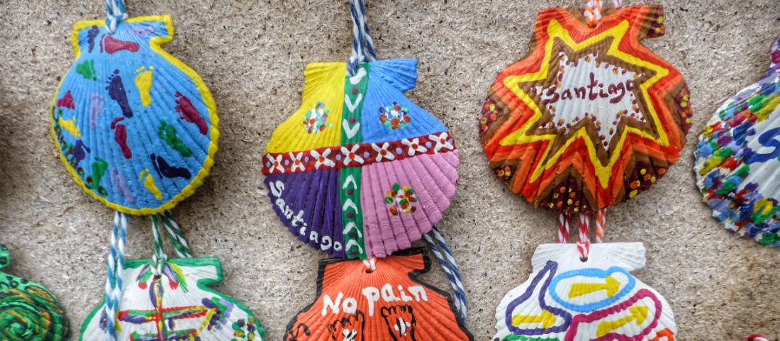 Colourful scallop shells on the Camino trail in Spain |  <i>Gesine Cheung</i>
