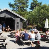 Lunch spot on Fjärdlång Island   Kathy Kostos