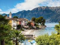 Colourful houses line Lake Maggiore in the Ticino Canton of Switzerland |  <i>Jan Geerk</i>