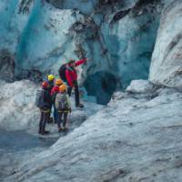 Discovering the micro environments of the glaciers on an exploration of southern Iceland