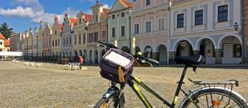 Cycling is a fantastic way to explore Telc in the Czech Republic | Els van Veelen