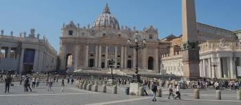 The magnificent St Peter's Basilica in Rome | Kerren Knighton