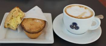 Coffee break with a Pasticciotti, a typical pastry from Puglia | Ross Baker
