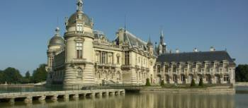 See the magnificent Chateau de Chantilly on a bike tour in Northern France | Martine Savart